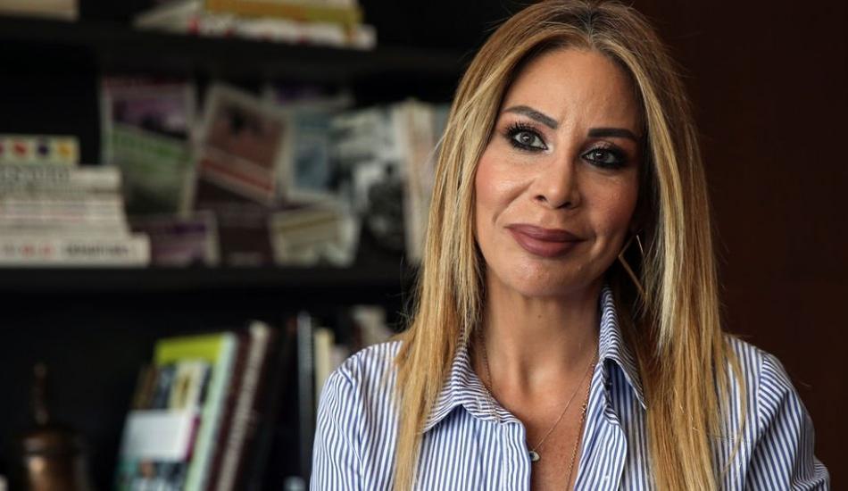 Linet 'İsyan' şarkısını beş dilde söyledi
