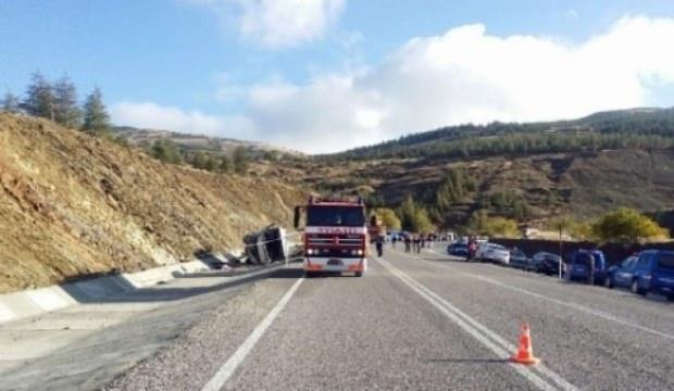 Isparta'da minibüs kazası: 15 yaralı