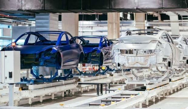 Tesla Çin'de üretti Bugün teslim ediyor