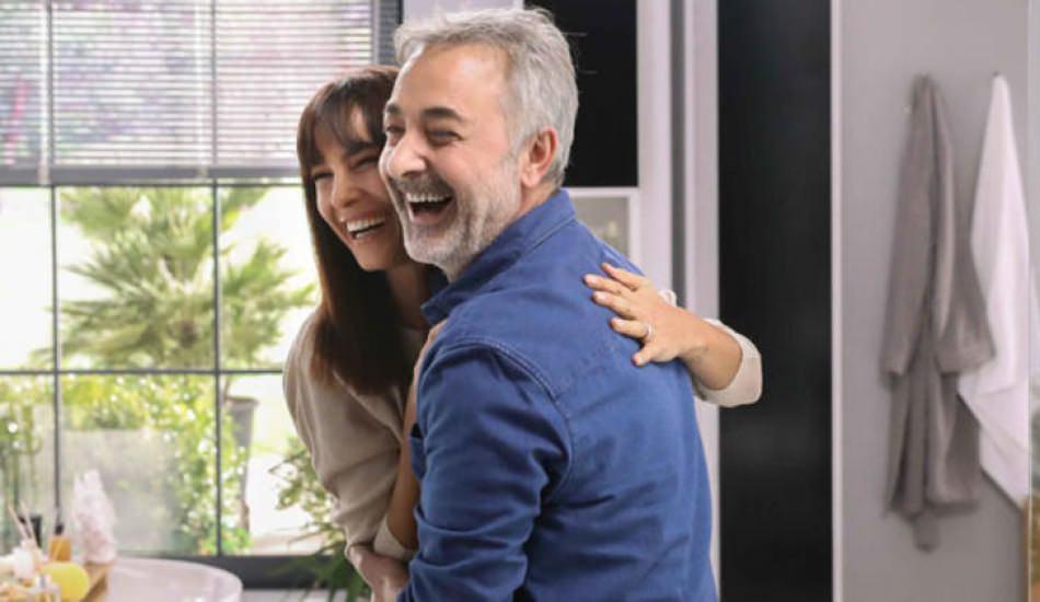 Mehmet Aslantuğ eşi ile 10 yıl sonra kamera karşısında!