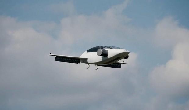 Yolcularını uçan taksiyle taşıyacak!
