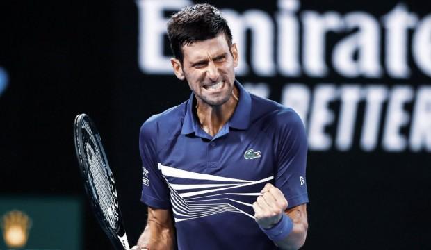Novak Djokovic set verdi ama turladı
