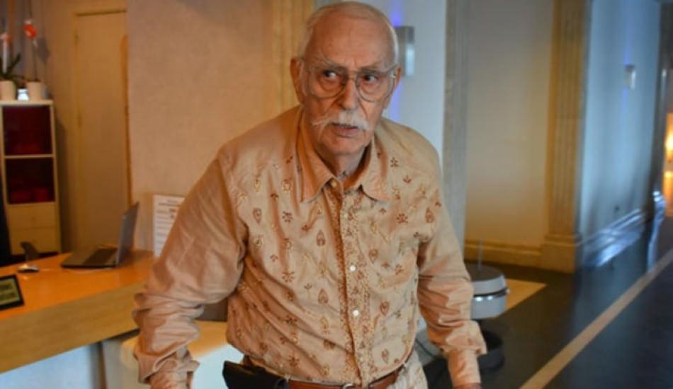 Usta oyuncu Eşref Kolçak hastaneye kaldırıldı!
