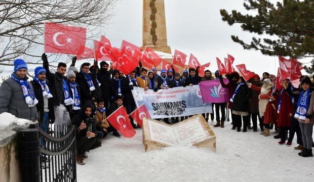 Üniversitelilerden Sarıkamış Şehitlik Anıtı'na ziyaret
