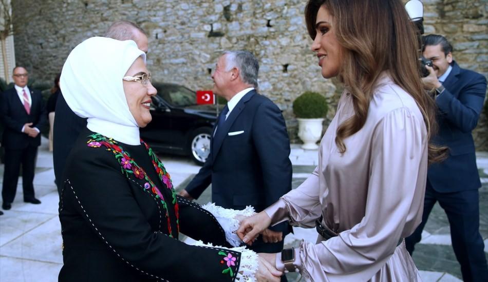 Emine Erdoğan'ın yeni paylaşımları beğeni rekoru kırdı