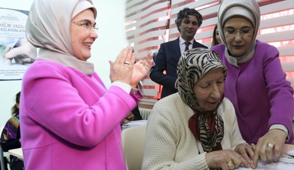 Emine Erdoğan'dan 'Okuryazarlık Seferberliği' paylaşımı