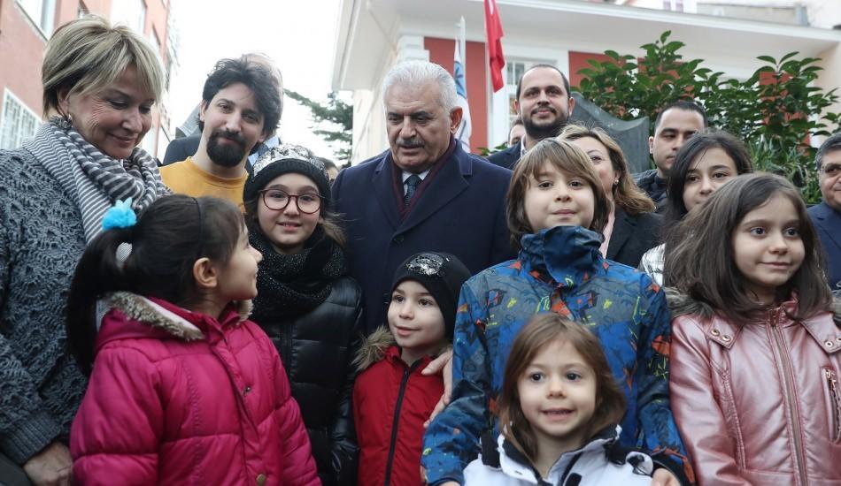 TBMM Başkanı Binali Yıldırım Barış Manço'yu andı!