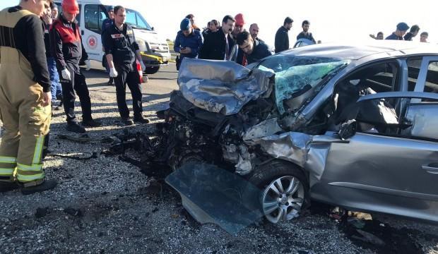 Katliam gibi kaza: 3 ölü, 1 ağır yaralı
