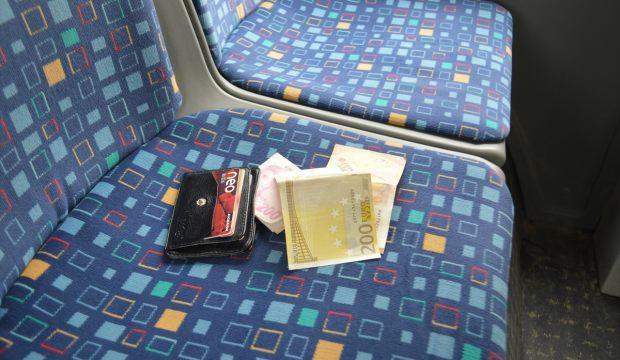 Halk otobüsü şoföründen duyarlı davranış
