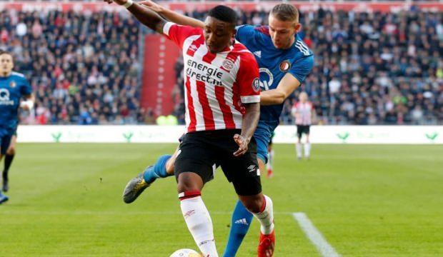 Feyenoord'dan PSV'ye şampiyonluk darbesi!