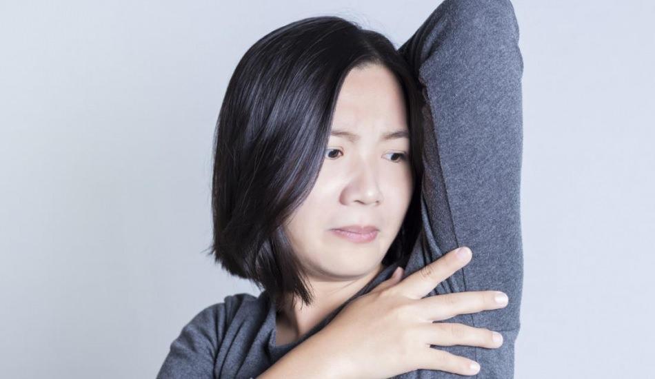 Koltuk altı ağrısı neden olur? Koltuk altı ağrısı hangi hastalıkları işaret eder?