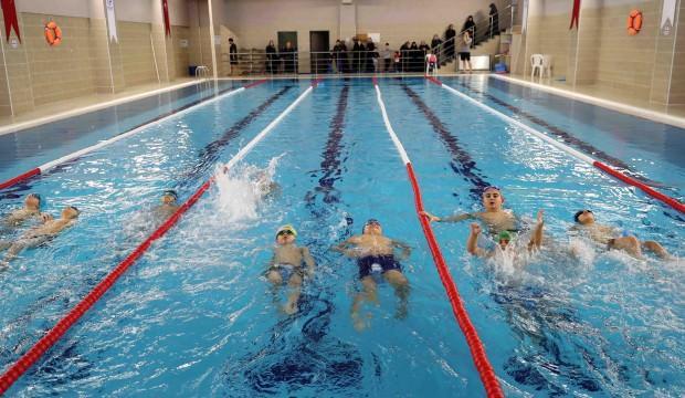 Bağcılar'ın 22 mahallesine yüzme havuzu