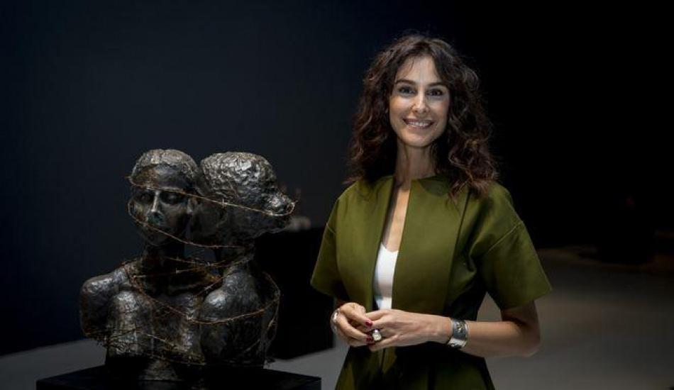Arzum Onan, 22 kadın heykelini Ankara'da sergiye açtı!