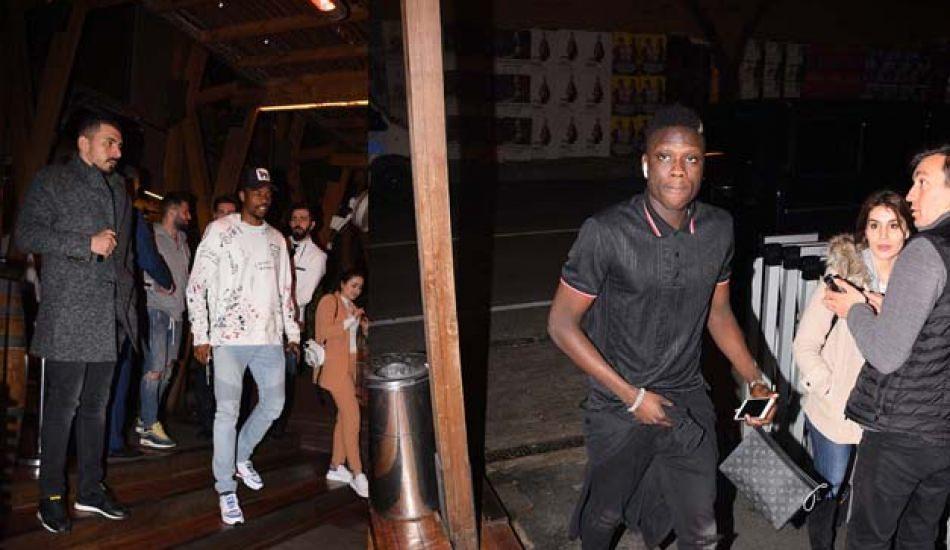 Galatasayar'ın futbolcuları Nusret'ten çıkarken görüntülendi!
