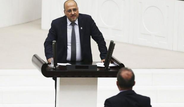 HDP'li Ahmet Şık'a mahkemeden kötü haber!