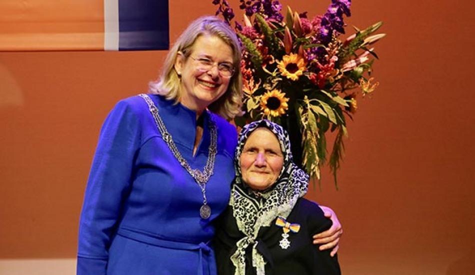 82 yaşındaki Türk'e Hollanda'dan kraliyet nişanı!