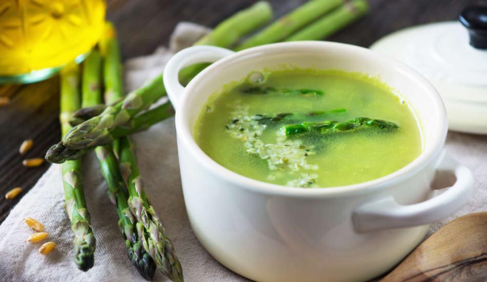 Kuşkonmaz çorbası nasıl yapılır? Ustasından muhteşem kuşkonmaz çorbası tarifi