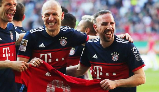 Bayern Münih Ribery ve Robben kararını açıkladı