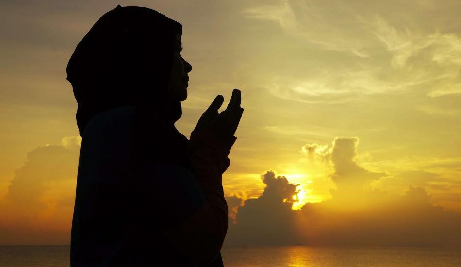 Adetli kadın hangi ibadetleri yapabilir? Adetliyken okunacak dualar ve zikirler neler?