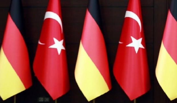 Almanya: Türkiye S-400 alacağı için endişeliyiz