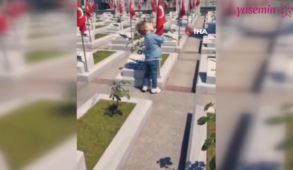 Küçük çocuğun bayrak sevgisi duygulandırdı!