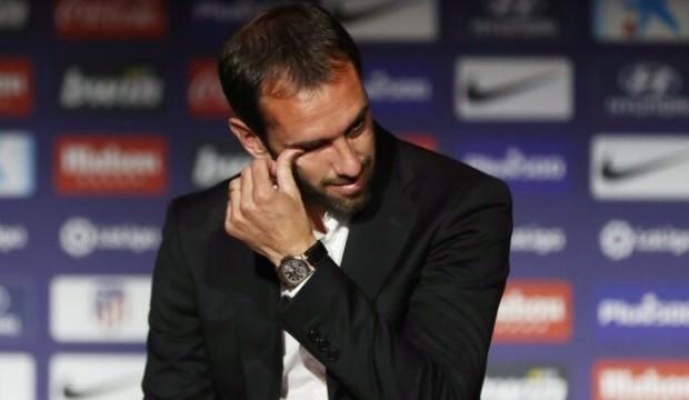 Diego Godin gözyaşlarıyla veda etti
