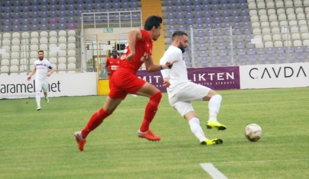 Afyon ile Ümraniye 4 gollü maçta yenişemedi