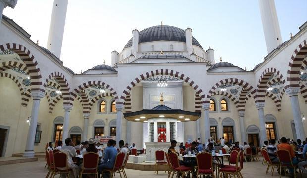 Cibuti'nin simgesinde iftar sofrası kuruldu
