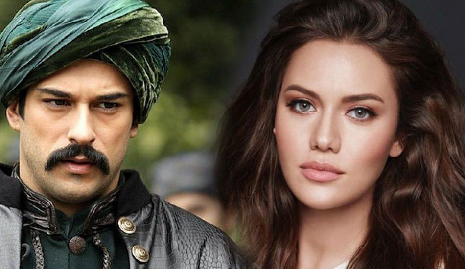 Fahriye Evcen'i Angelina Jolie'ye benzettiler!