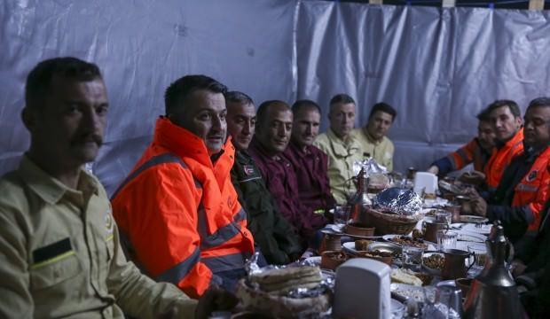 Bakan Pakdemirli bin 860 rakımda iftar yaptı