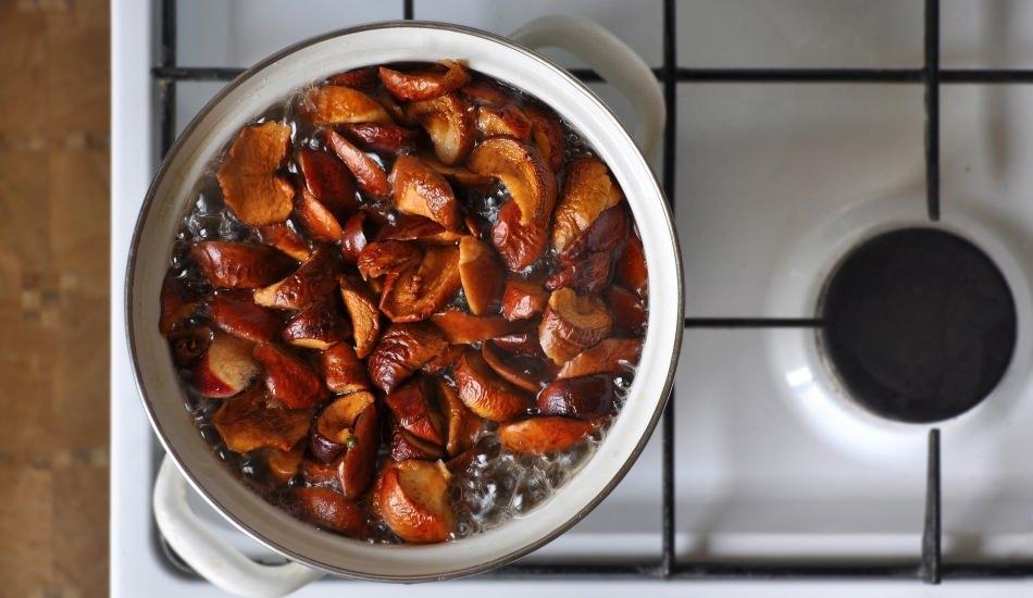 Yaz sıcaklarında enfes elma kompostosu tarifi! Elma hoşafı nasıl yapılır?