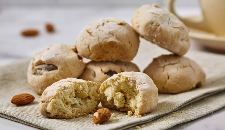 Pratik badem kurabiye tarifi