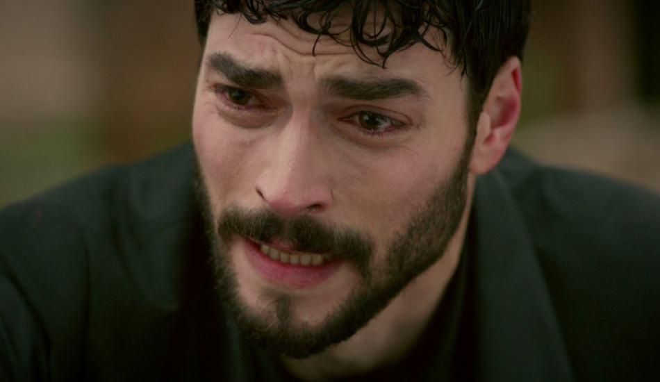 Akın Akınözün sezon finali paylaşımı şaşırttı!