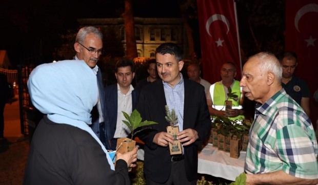 Tarım ve Orman Bakanı Pakdemirli'den çat kapı ev ziyareti