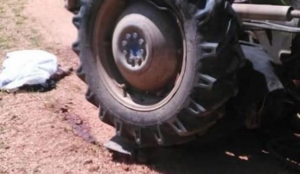 Traktör altında kalan yaşlı adam hayatını kaybetti