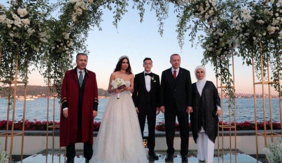 Amine Gülşe ve Mesut Özil'in düğününe ünlü akını