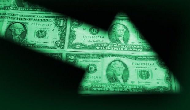 Fed'den iki faiz indirimi bekliyor
