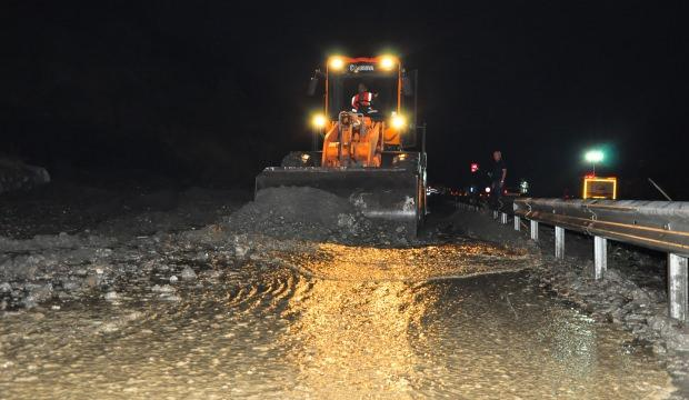İzmir-Manisa karayolu ulaşıma kapandı