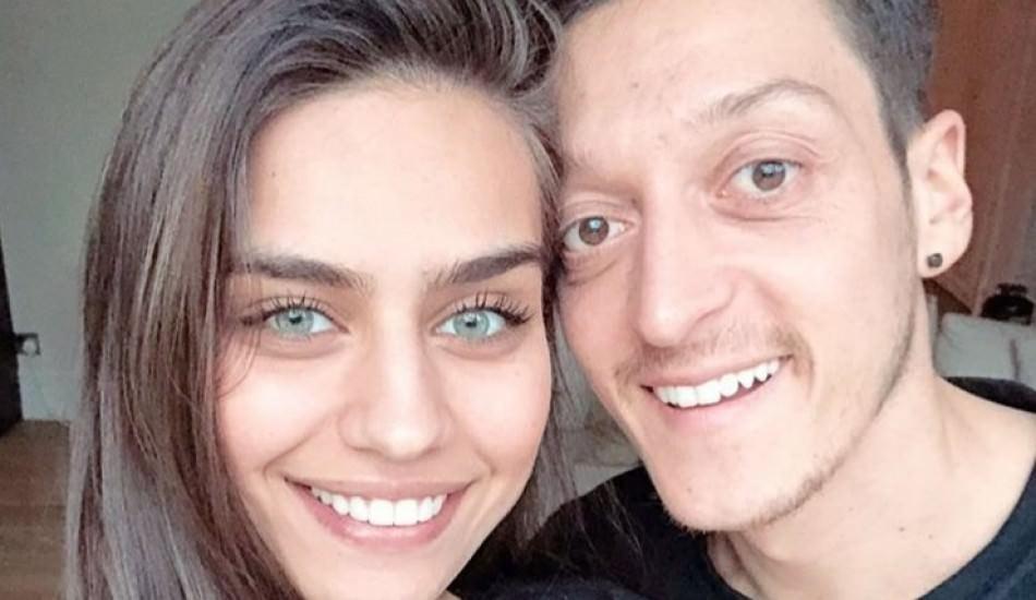 Mesut ve Amine Özil çiftinden ilk paylaşım!