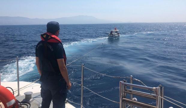 Yunan adalarına sürüklenen Türk teknesini Sahil Güvenlik kurtardı