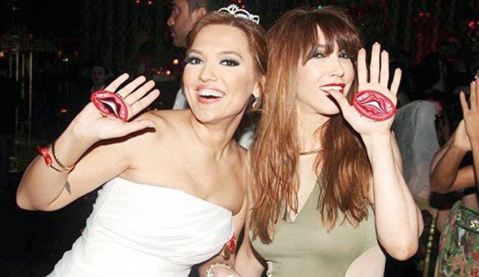 Demet Akalın ve Hande Yener barışmasına yapımcı engelli!