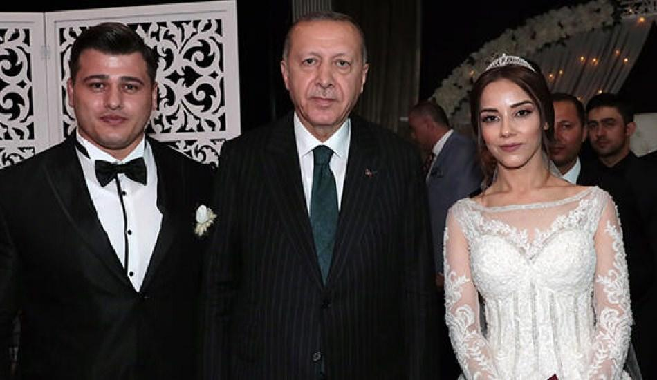 Cumhurbaşkanı Erdoğan milli güreşçi Rıza Kayaalp'in nikah şahidi oldu