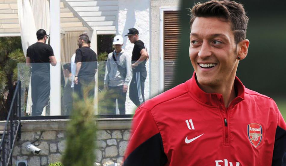 Mesut Özil'in kalabalık balayının sırrı çözüldü! Meğer...