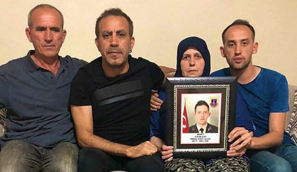 Haluk Levent'ten Bergama'daki şehit ailesine ziyaret