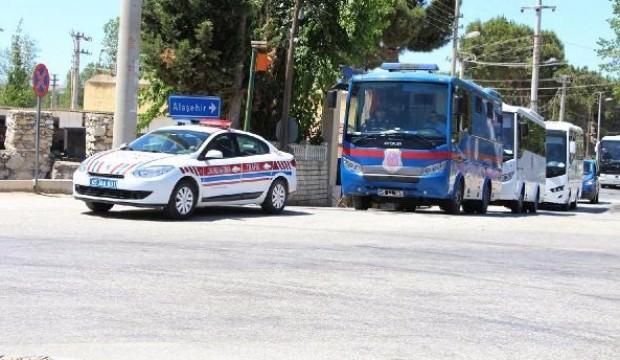 Kula Cezaevi kapatıldı, mahkumlar Salihli'ye sevk edildi