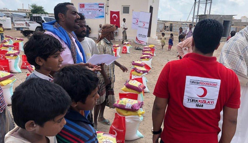 Türk Kızılay'ından Yemen'deki göçmenler için gıda yardımı