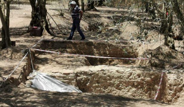 Bursa İznik'te yeni bulunan lahit büyük heyecan yarattı