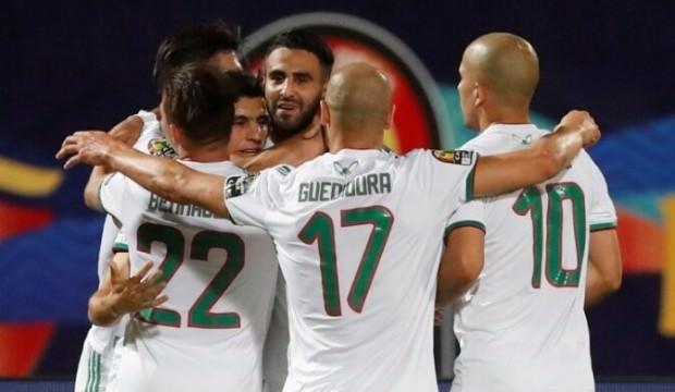 Cezayir, Gine'yi farklı geçti!