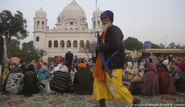 Pakistan ve Hindistan: Kartarpur koridoru konusunda anlaşma sağlandı