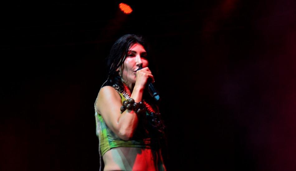 Hande Yener rap müziğe geçiş yapıyor